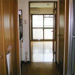 廊下部分に大きめのクローゼットがあります!