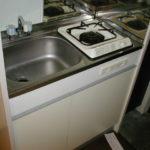 通常の学生マンションと変わらず、キッチン・クローゼット・シューズボックス付いてます。
